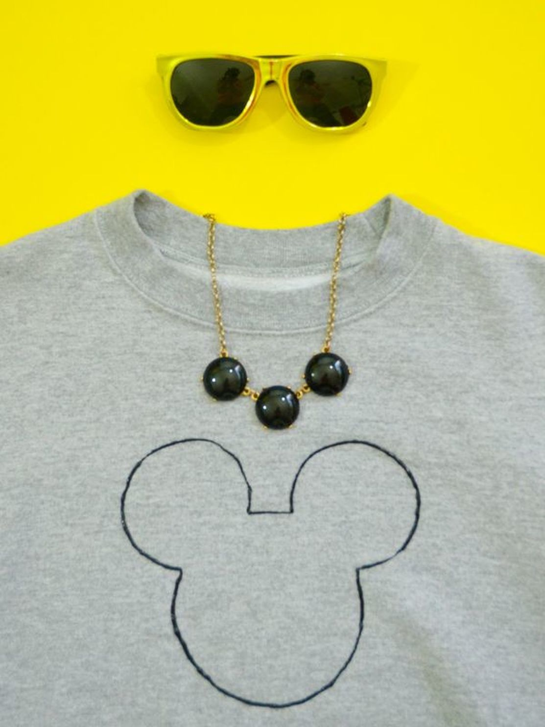 DIY Minimalist Mickey Mouse Sweatshirt
